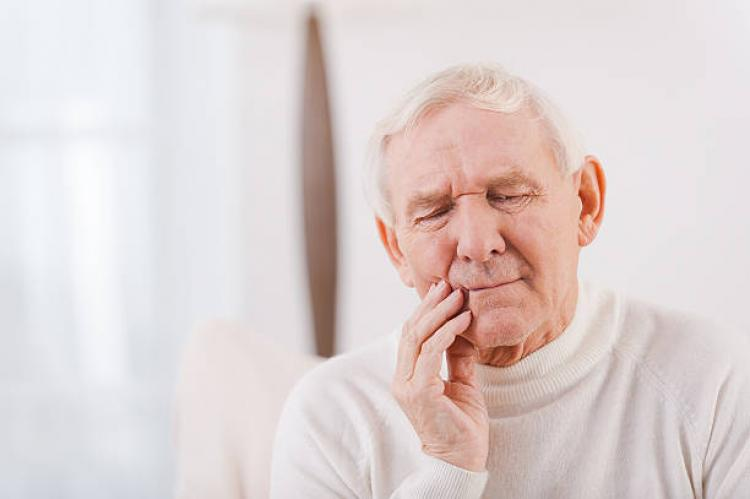 Link between Oral Hygiene and Alzheimer's disease according to recent research: one more reason to see your dental hygienist